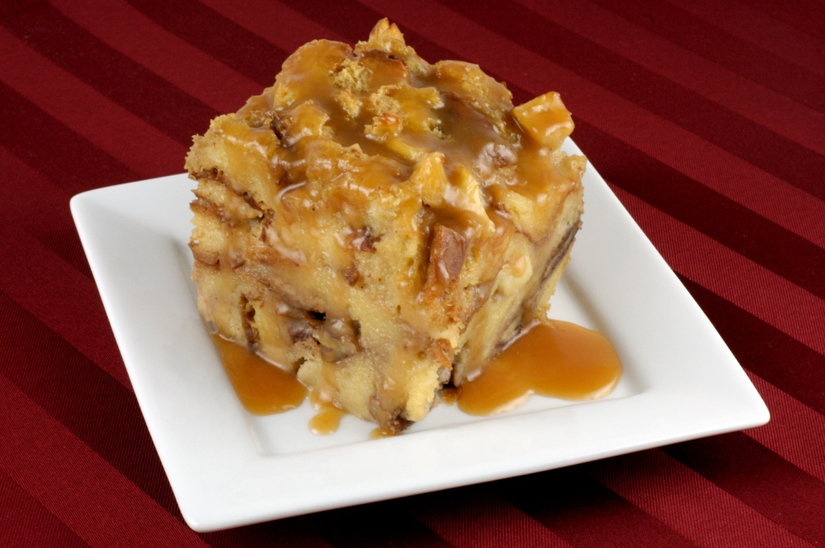 caramelized apple bread pudding