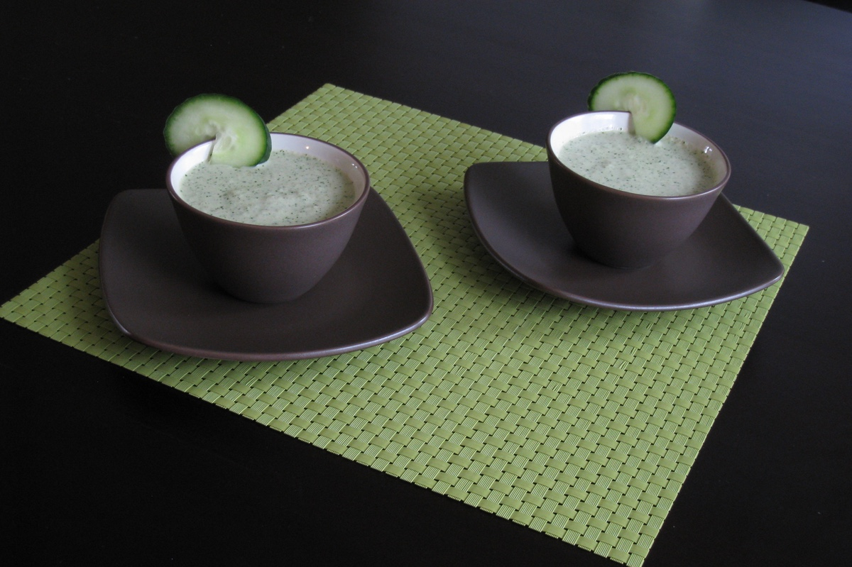 chilled cucumber mint soup