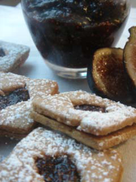 Post image for Hazelnut & Fig Linzer Cookies