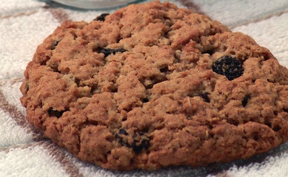 Post image for Oatmeal Raisin Spice Cookies