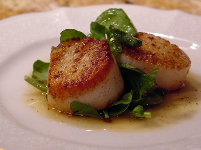 Post image for Porcini-Dusted Scallops with an Enriched Mushroom Broth